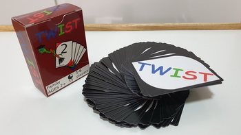 Twist - A flexible card game for everyone (even babies) board game